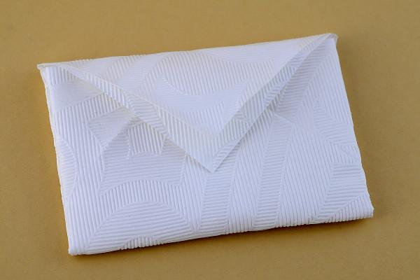 Servietten falten Anleitung Kuvert weiss